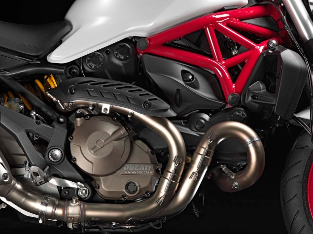 2015 Ducati Monster 821 Mega Gallery 2015 Ducati Monster 821 59 635x475