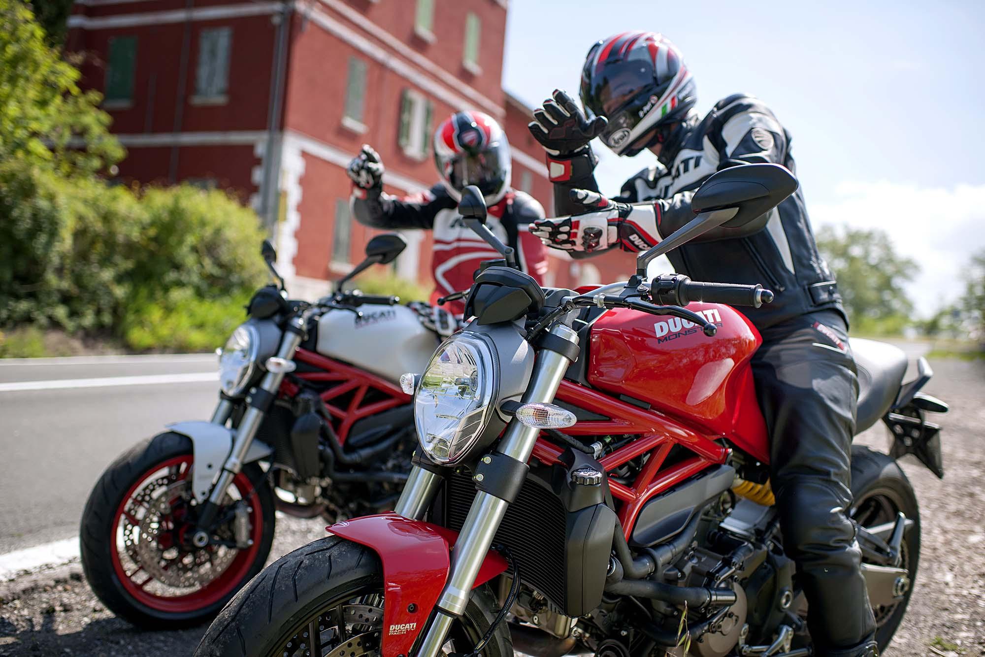 (IMG:http://i2.wp.com/www.asphaltandrubber.com/wp Content/uploads/2014/06/2015  Ducati Monster 821 73)