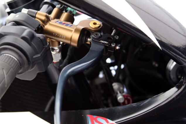 Up Close with the 2014 Mugen Shinden San (神電 参) Mugen Shinden San TT Zero Isle of Man TT Richard Mushet 05 635x423