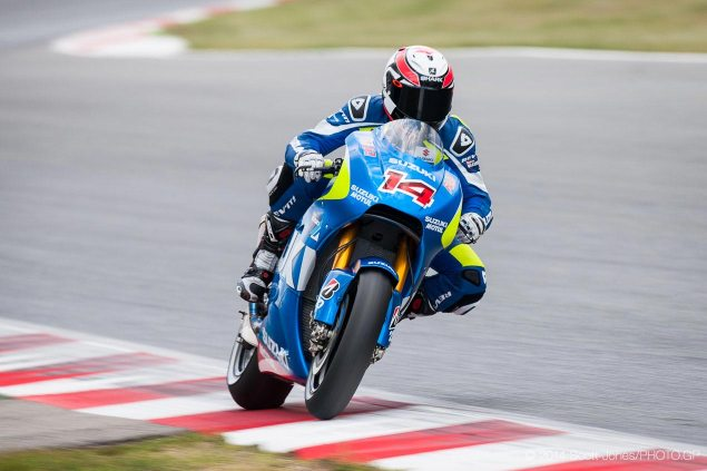 Monday Summary at Catalunya: Yamahas Busy Schedule, Ducatis Shortcomings, & An Alternative Track Layout Suzuki Racing Randy de Puniet Catalunya MotoGP test Scott Jones 635x423