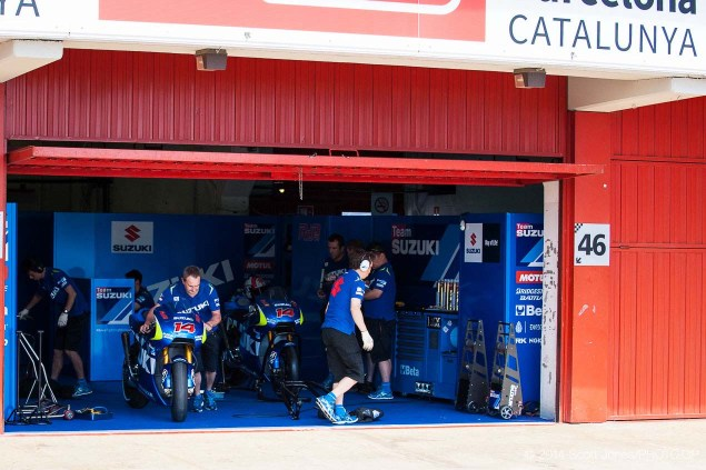 Photos of the Suzuki XRH 1 Testing at Catalunya Suzuki XRH 1 Catalunya Test MotoGP Scott Jones 01 635x423