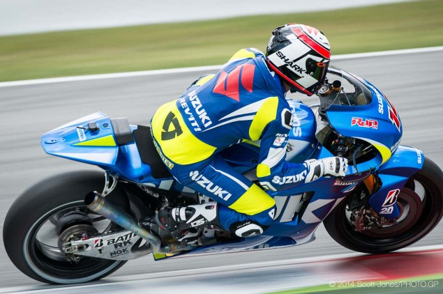 Photos of the Suzuki XRH 1 Testing at Catalunya Suzuki XRH 1 Catalunya Test MotoGP Scott Jones 08 635x422