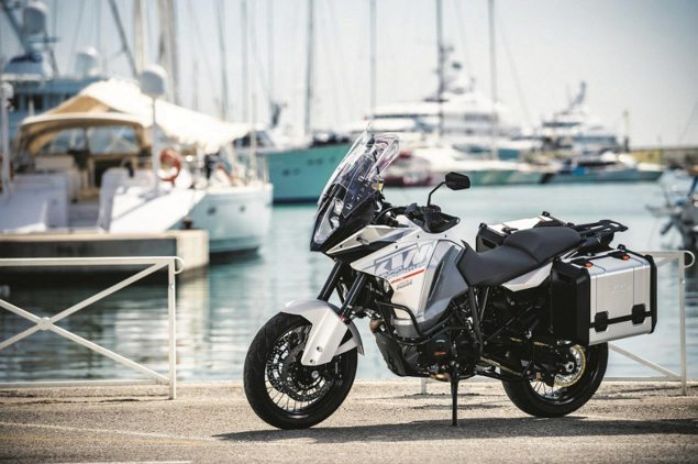 The First Official Photo of the KTM 1290 Super Adventure 2015 ktm 1290 adventure teaser 635x422