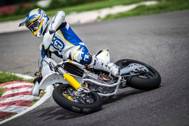 2015 Husqvarna FS 450   Husky Returns to Supermoto 2015 Husqvarna FS 450 action 01 635x422