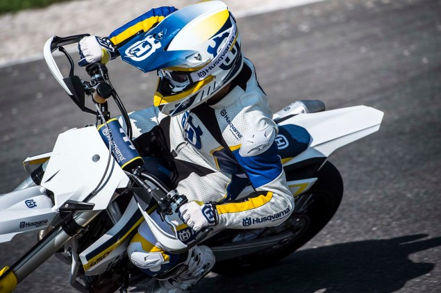 2015 Husqvarna FS 450   Husky Returns to Supermoto 2015 Husqvarna FS 450 action 47 635x422