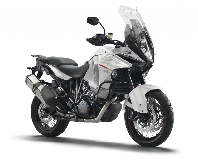 2015 KTM 1290 Super Adventure   Even with 180hp, Is This the Safest Motorcycle in the World? 2015 KTM 1290 Super Adventure 03 635x526