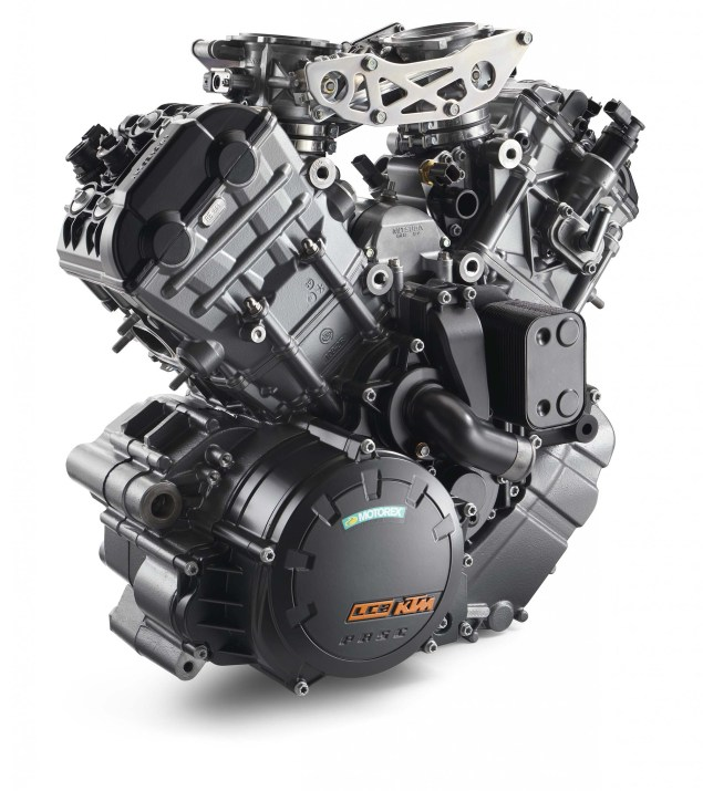 2015 KTM 1290 Super Adventure   Even with 180hp, Is This the Safest Motorcycle in the World? 2015 KTM 1290 Super Adventure 10 635x715