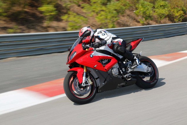 2015-BMW-S1000RR-action-16