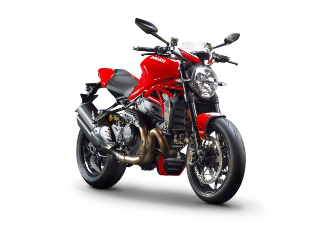 2016-Ducati-Monster-1200-R-studio-13
