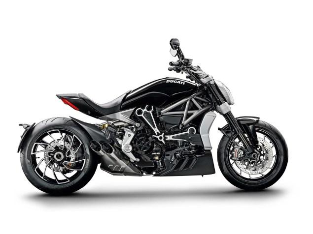 Ducati-XDiavel-S-San-Diego-studio-action-41