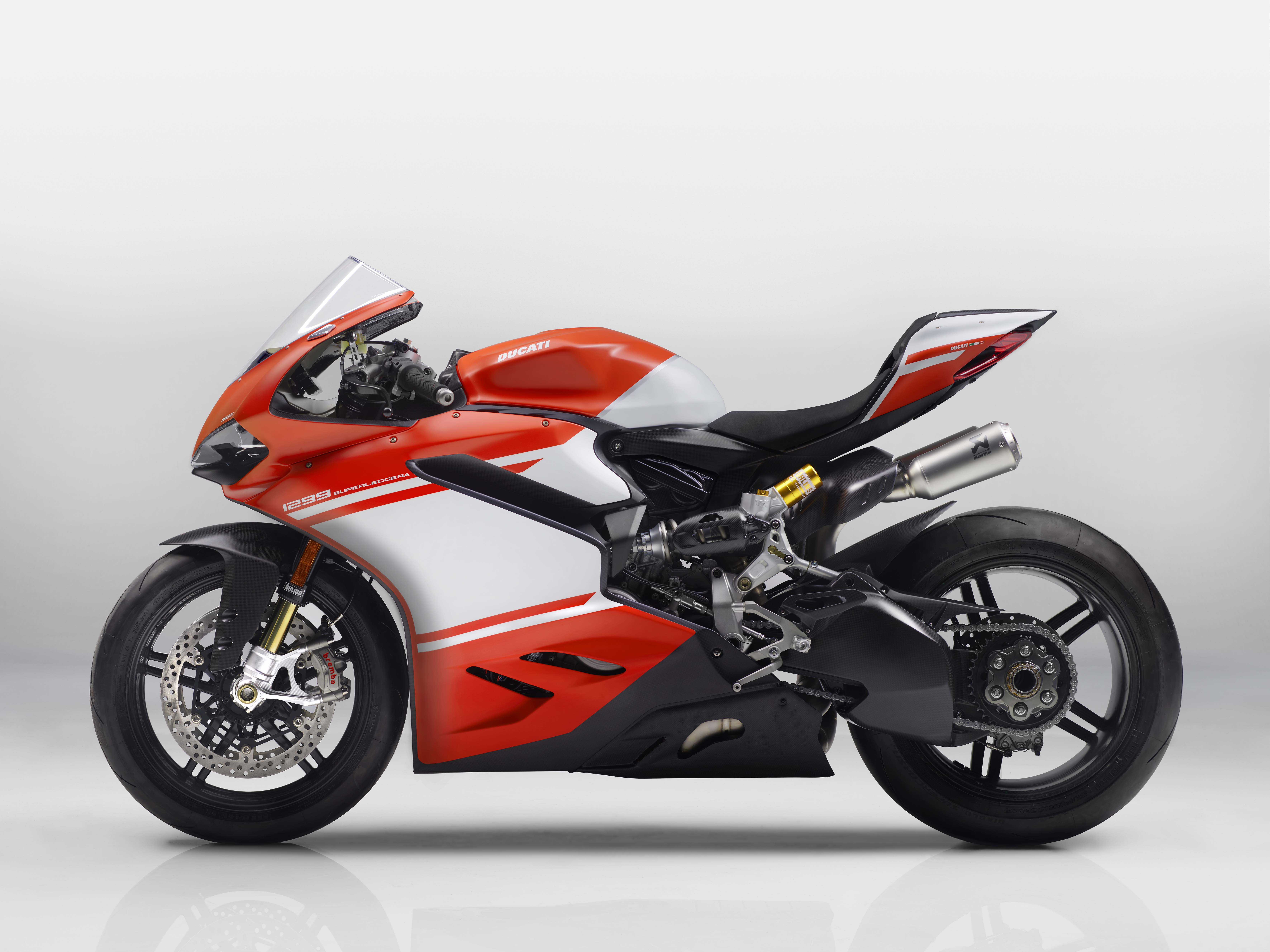 Ducati 1299 Superleggera - A 215hp Carbon Fiber Superbike