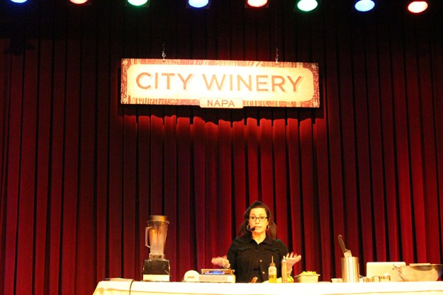 isa chandra on stage city winery