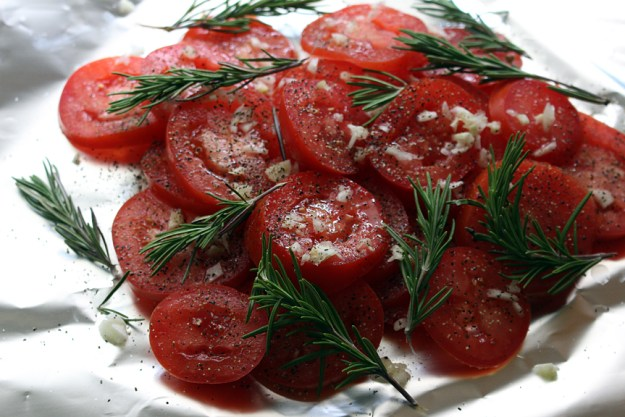 roasted tomatoes prep before the oven