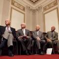 De bemanning van de Apollo 11 (van links naar rechts Michael Collins, Neil Armstrong, Buzz Aldrin) en Charles Bolden. John Glenn ontbreekt op de foto.
