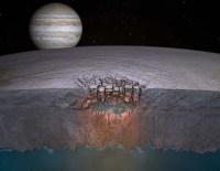Impressie van de korst en vloeibare oceaan daaronder van de maan Europa