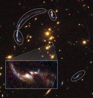 Reconstructie van het sterrenstelsel áchter de cluster RCS2 032727-132623