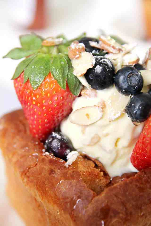 ice cream, Japanese honey toast, berries