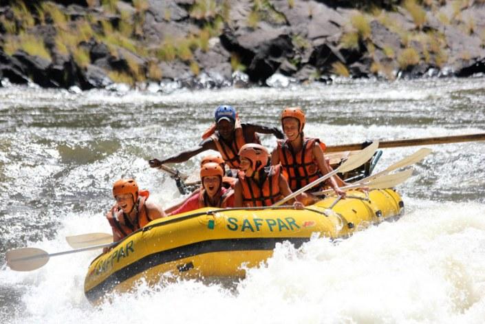 Zamibia Luxury Safari - Zambezi River Rafting