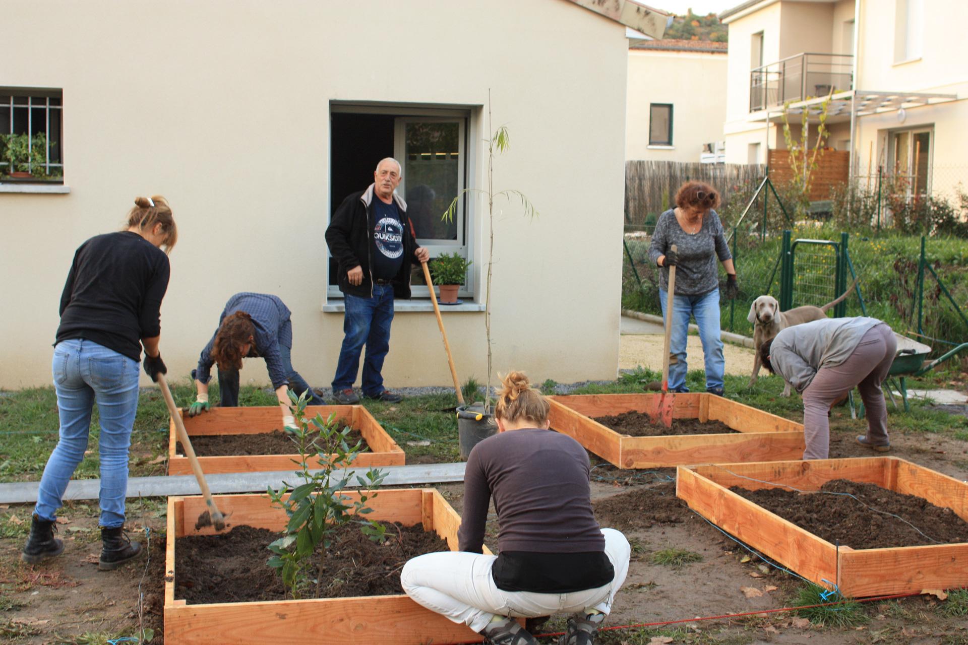 Alignement et nivellement des bacs de jardinage