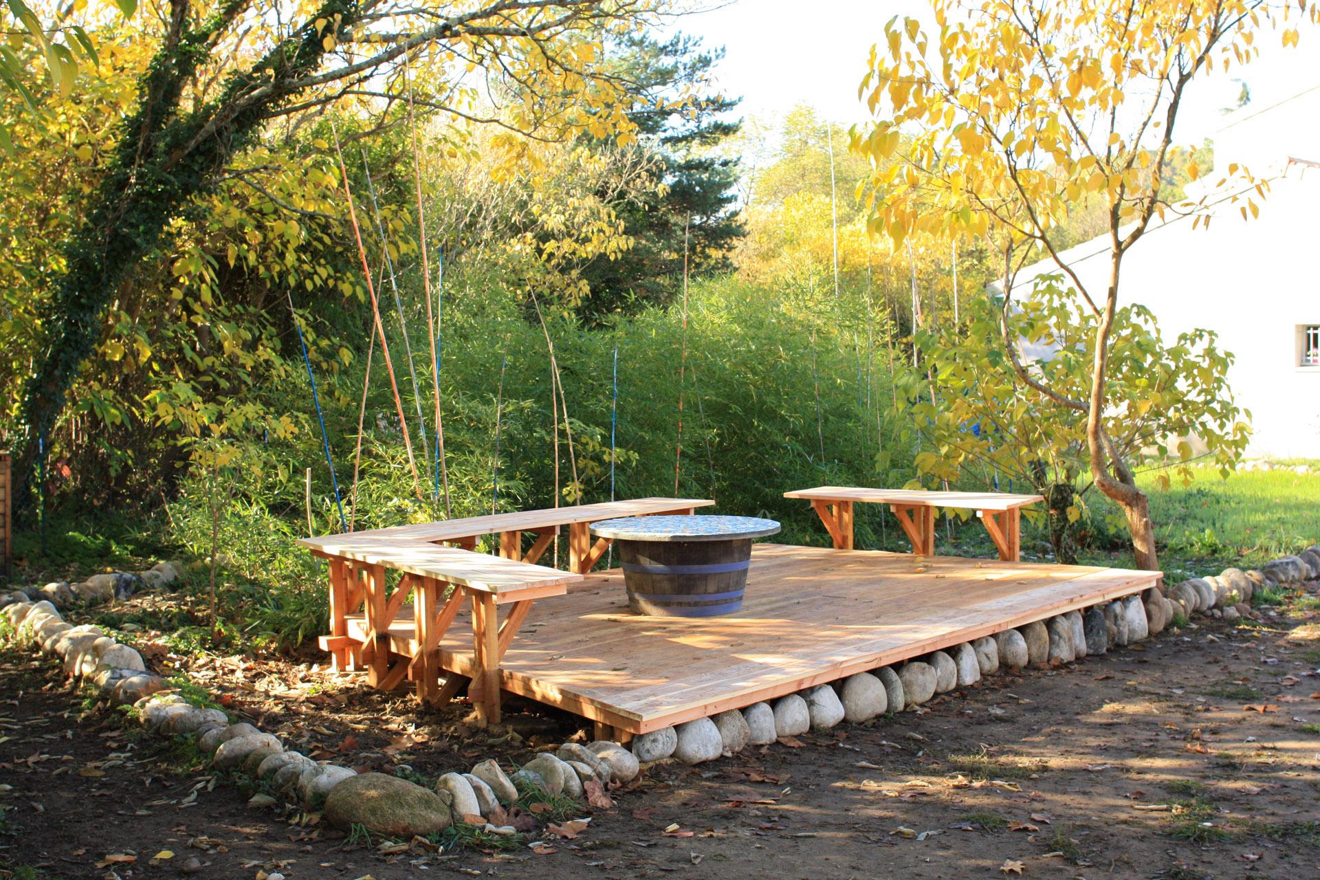 La terrasse dans la bambouseraie en devenir