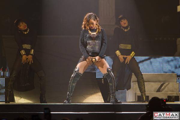 CatMax-Rihanna-Philips-Arena-1087