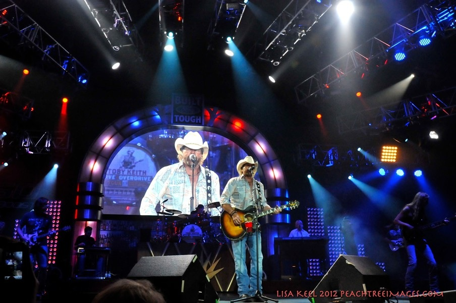 Toby Keith performs @ Aarons Amphitheater @ Lakewood in Atlanta Ga. 8-2412 Lisa Keel/PeachtreeImages.com 2012