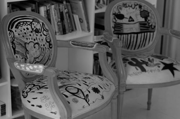 2 chairs bw