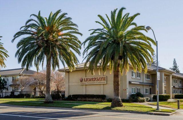 Lions Gate Hotel (Sacramento)