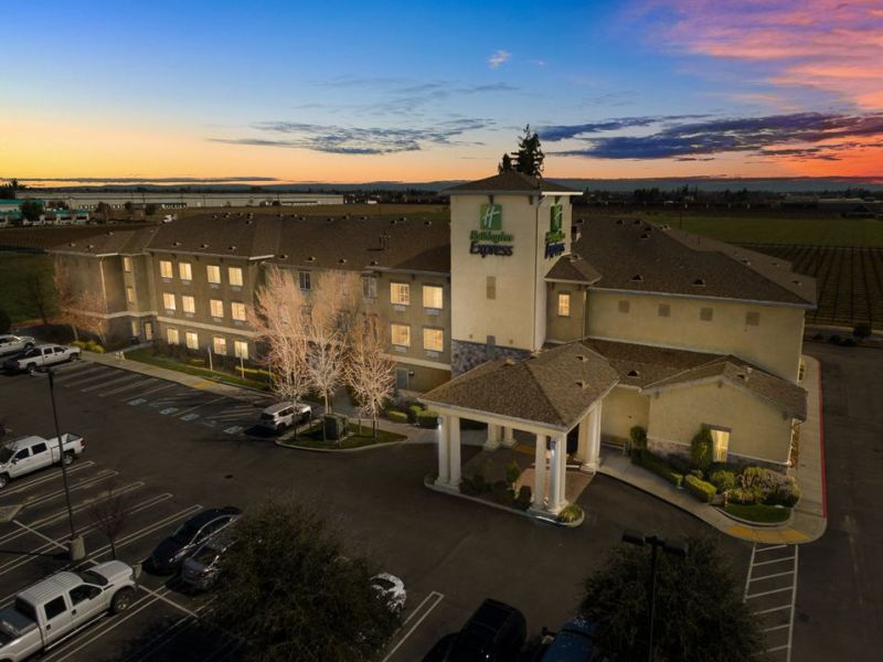 Holiday Inn Express (Lodi)