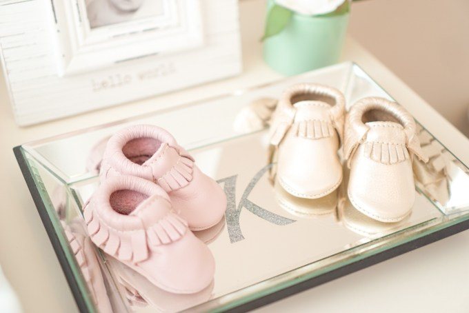Blogger Katelyn Jones A Touch of Pink Freshly Picked Moccasins