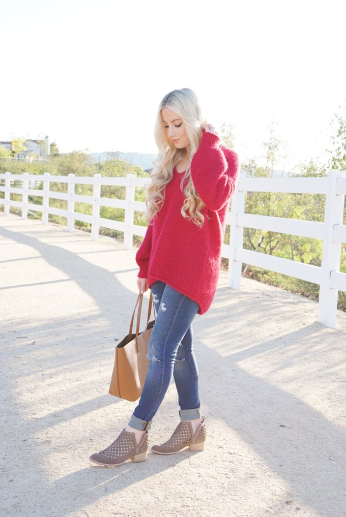 Katelyn Jones A Touch of Pink Slouchy Sweater Tory Burch Tote