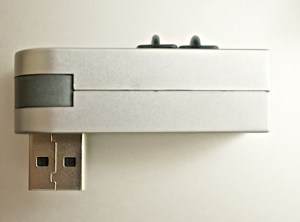 03_Elecom_USB_sideview