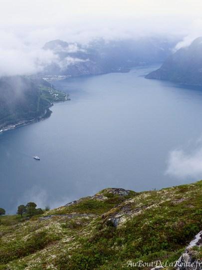 Vue sur le Norddalsfjord