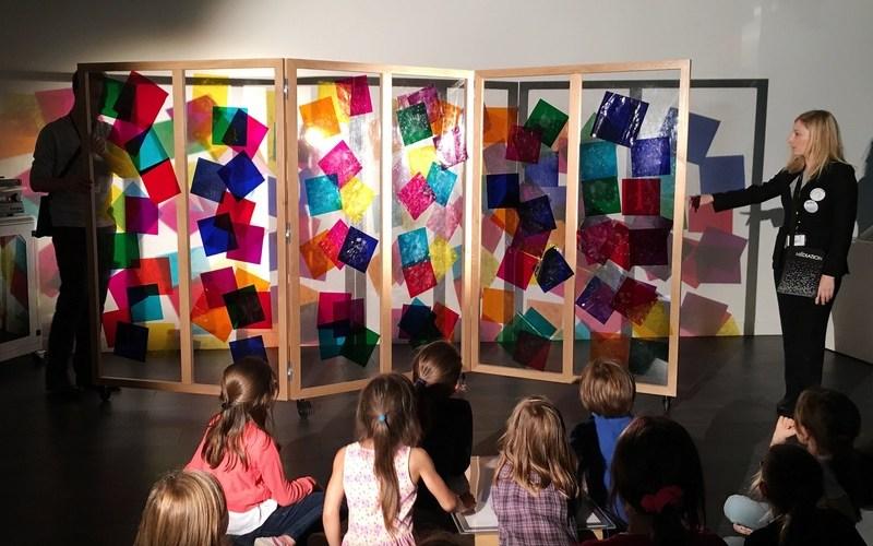 Atelier Attrape lumière pour enfants Fondation Louis Vuitton ©aunomi