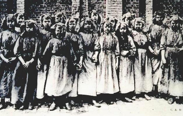 Les filles à la mine au pays des ch'tis