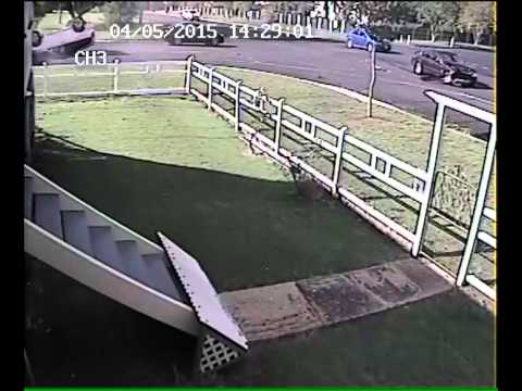 04-05-2015 - Home security camera shows a car who fails to give way hitting traffic and rolling over (Warwick)