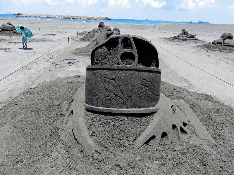 sand sculpture cijin beach 1