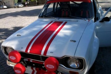 ford-escort-rs-2000-1