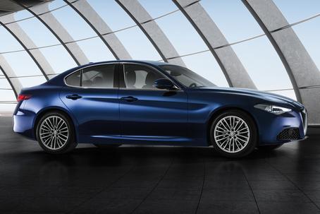 Schönheitskönigin der Mittelklasse ist die neue Alfa Romeo Giulia. Foto: FCA/dpp-AutoReporter