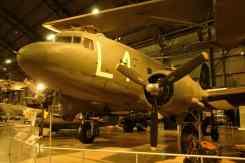 O famoso Douglas, C-47, versão militar do DC-3