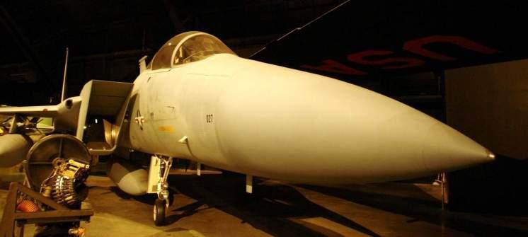 O F-15 Eagle ainda está em operação. Chega a 10 mil metros de altitude em um minuto!
