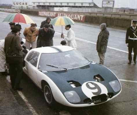 Ford GT de 1964 [gearheads.org]
