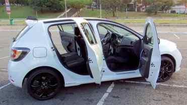 Prático como todo hatchback de 4 portas