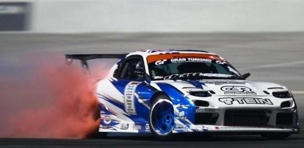 Mazda RX7 Drifting
