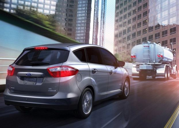 Ford-C-MAX_Hybrid_2013_1280x960_wallpaper_08