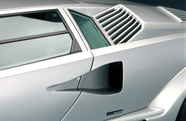 Lamborghini Countach rear air intake