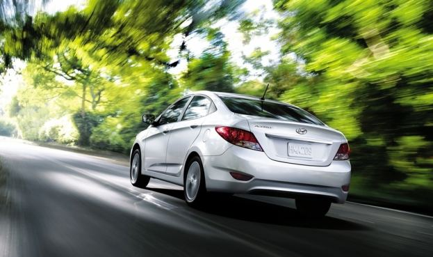 2013 Hyundai Accent rear