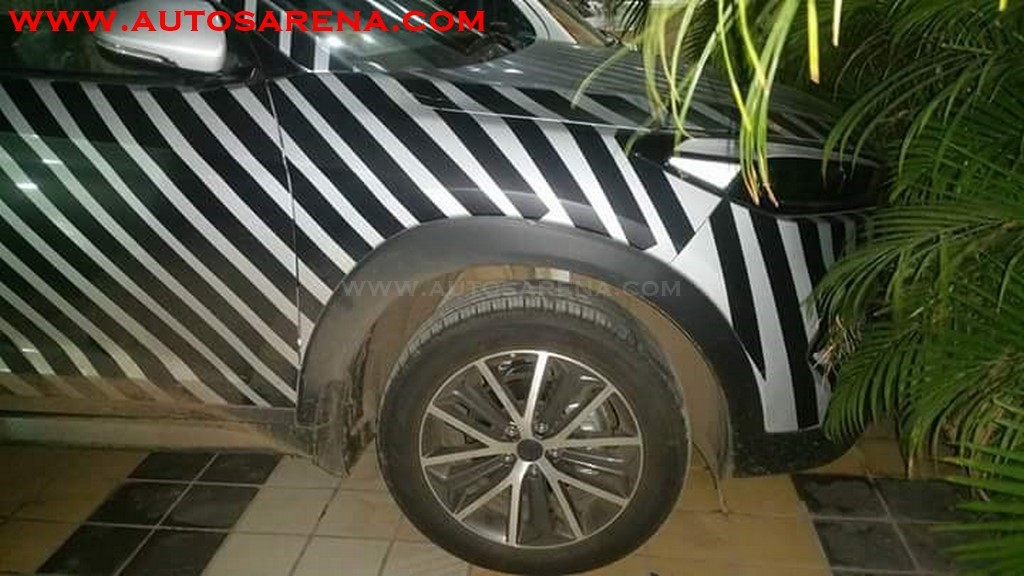Hyundai Tucson launch in October, spotted with camouflage