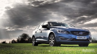 Volvo V60 PHEV Photo