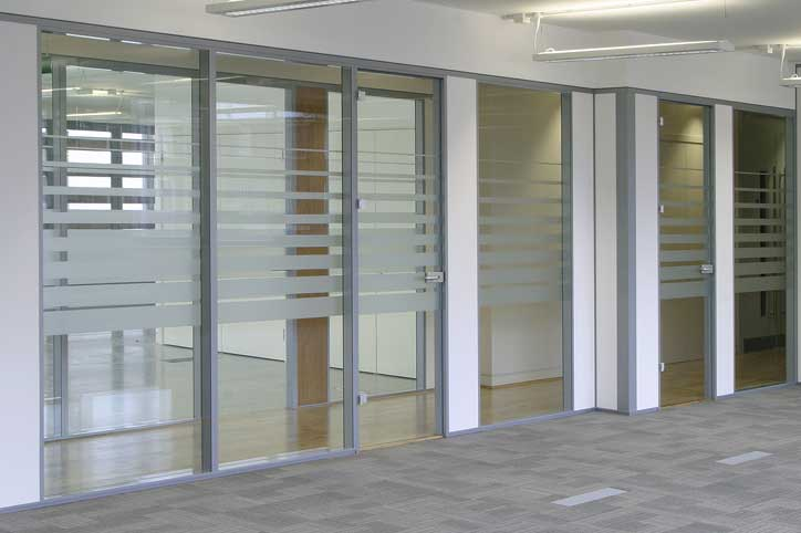 Avanti Systems USA Glass Office Divider